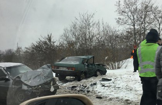 На окружному шляху трапилося ДТП, два авто побито (фото)