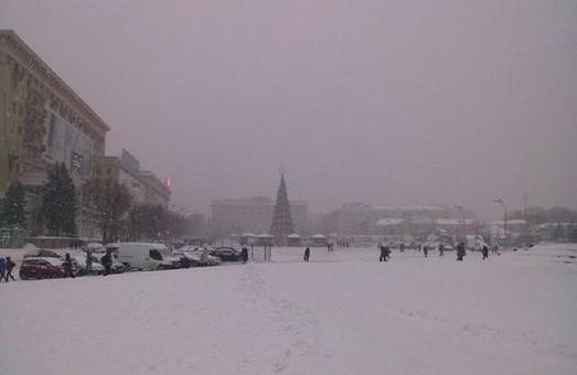 Харків давно не бачив такої заметілі (фото)