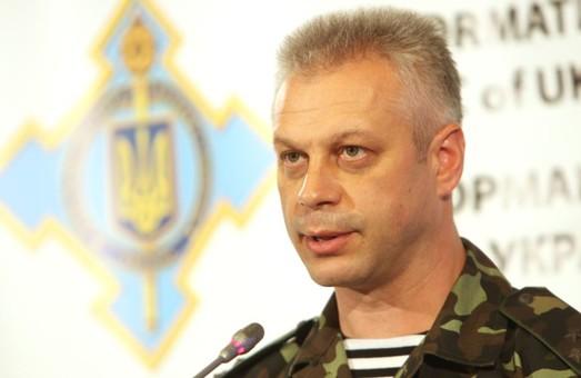 Минулої доби на Сході України двоє українських вояків отримали поранення