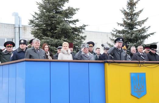 На День Крут близько 1500 курсантів університету внутрішніх справ присягнули на вірність українському народу (фото, відео)