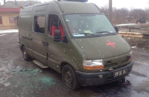 У мережі поставили світлини авто, яке було обстріляне під Майорськом