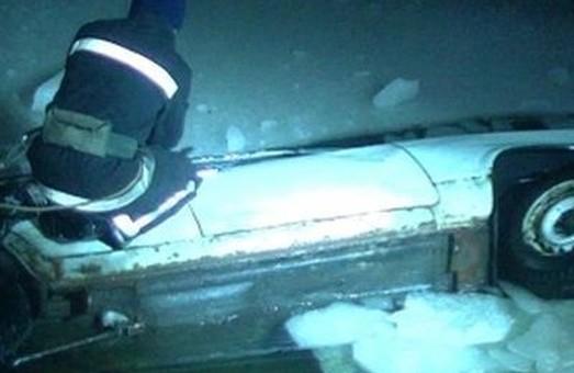 У Харкові водій автівки загинув під кригою