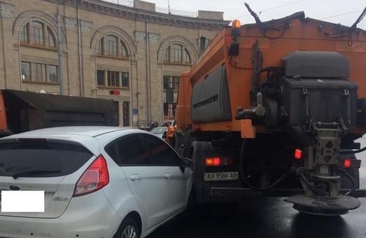 на проспекті гагаріна у вантажівку врізалася іномарка 3 лютого 2016 року