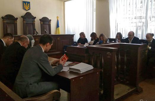 Сьогодні під час засідання суду у Полтаві у справі Кернеса влаштували допит для офіціантки Тетяни