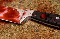 У селищі Комуніст чоловіка зарізали ножем