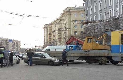 У Харкові у дорожній пригоді за участю трамвая постраждала дитина