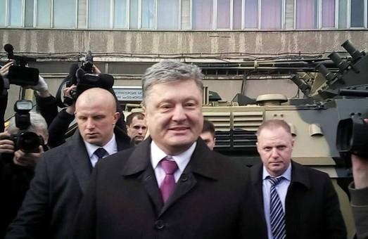 Порошенко: На початку квітня Савченко мають звільнити