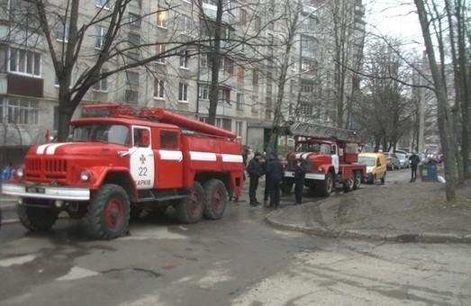Під час пожежі у 9-поверхівці загинули двоє чоловіків (фото, відео)