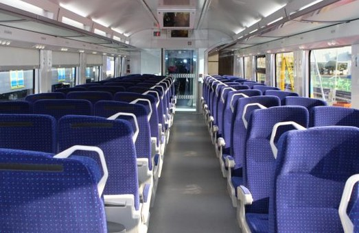 Двоповерхові поїзди ходитимуть до Києва до кінця квітня