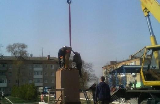 На Харківщині демонтують пам'ятники (фото)