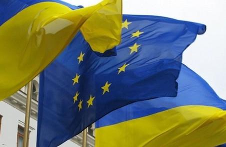 Скасування віз для українців ухвалила ЄК. Президент подякував (відео)
