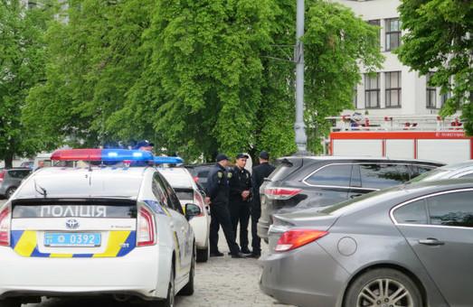 У Госпромі шукали вибухівку (оновлено)