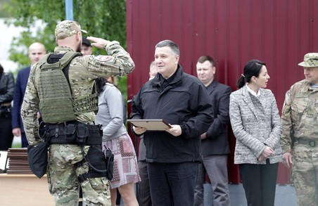 У Харківський «Корд» відібрали 35 бійців. Арсен Аваков особисто привітав спецназівців.