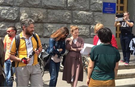 Активісти нагадали Кернесу про велодоріжки (ФОТО)