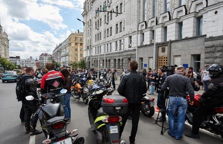Харківські байкери завітали до Кернеса з колективним позовом прти обмежень руху на деяких вулицях