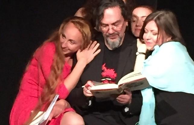 Хоч ти і корифей, але... Андрухович допомагав харківським акторам читати Шекспіра