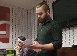 Просто українська поезія та жодної політики