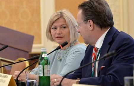 Перед представниками НАТО озвучили умови проведення виборів на Донбасі (відео)