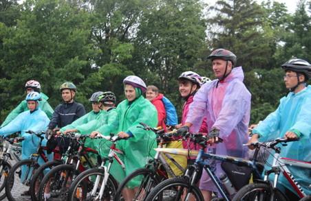 Перші учасники велопробігу «Вишиваний шлях» дісталися Києва
