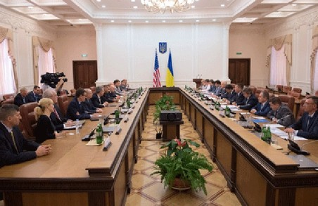 Американці допоможуть українцям реформувати митницю