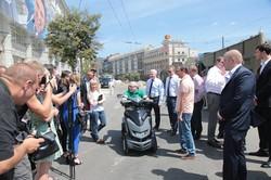 Кернес проінспектував реконструкцію  Павлівської площі