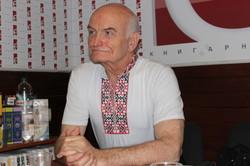 «Ми живемо в трагічний час для українського театру» – впевнений Олександр Бартенєв