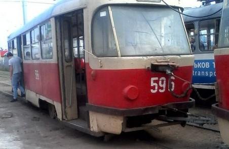 """Знову """"дрифт""""-  з рельсів зійшов  трамвай по 27 маршруту"""