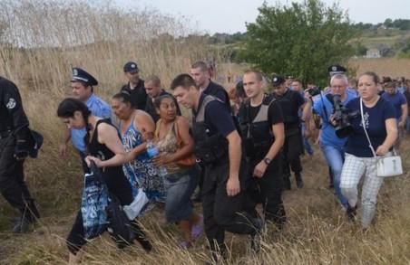 Поліція, на вимогу жителів села Лощинівка, відселить звідси циган (оновлено)