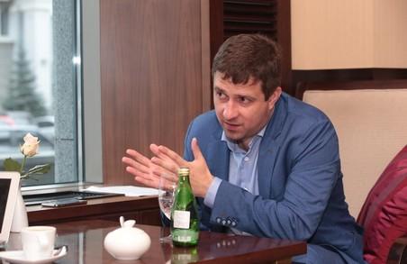 Анатолій Бабічев: «Нам вже не треба нікого обганяти! За розвитком освіти Харківська область — на першому місці в Україні»