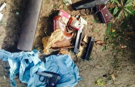 На Олексіївці серед білого дня знайшли зброю бойовиків