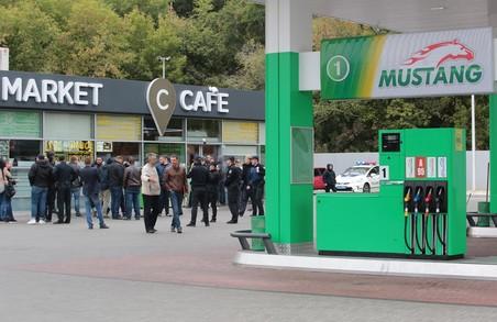 ЦК «Азов» блокує АЗС WOG: «Ми за легальний бізнес. Але законів треба дотримуватися»