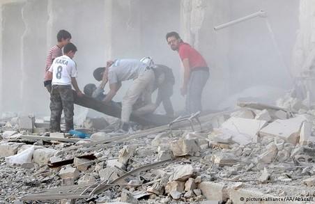 Кривава п'ятниця в Алеппо: майже сотня загиблих після масованих авіаударів