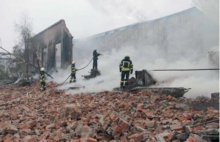 Крупна пожежа у Харкові: довелося викликати поїзд
