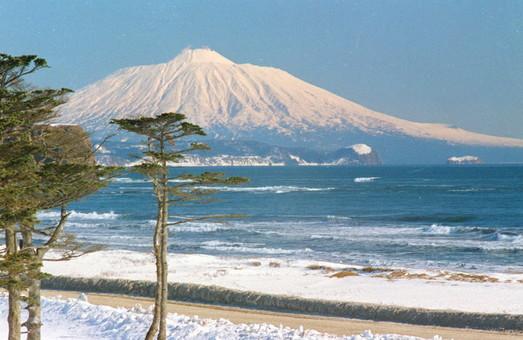 Японія зажадала від РФ повернути всі острови південної частини Курил