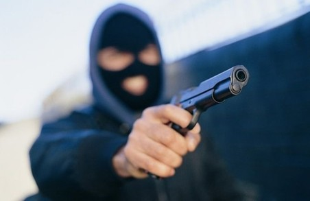 У соцмережах шукають зловмисника, який стріляв у харківського курсанта