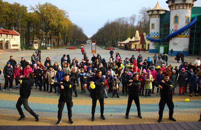 """""""Східний корпус"""" влаштував свято для вихованців харківських дитячих будинків"""