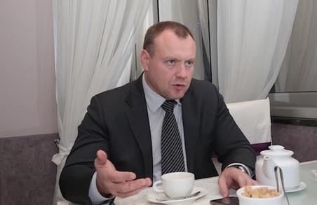 Сільському лікарю доведеться замість сала, заробляти на пацієнтах реальні державні гроші - М.Черняк