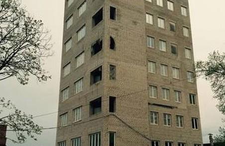 Самозахоплення на Полтавському Шляху: суд постановив знести дев'ятиповерхівку