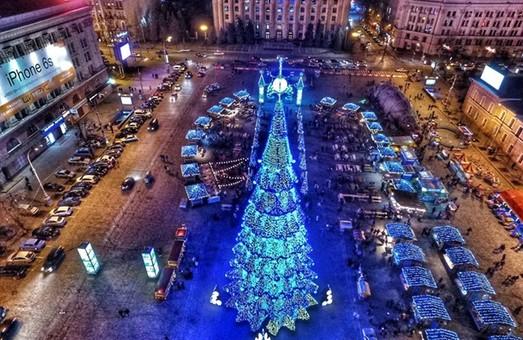 На площі Свободи рух транспорту обмежено до кінця новорічних свят