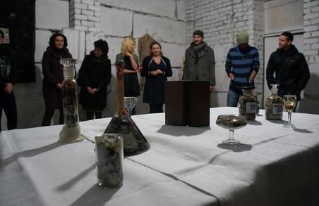 Куратори Муніципалки та молоді харківські художники пропонують подивитися на зворотний бік свята
