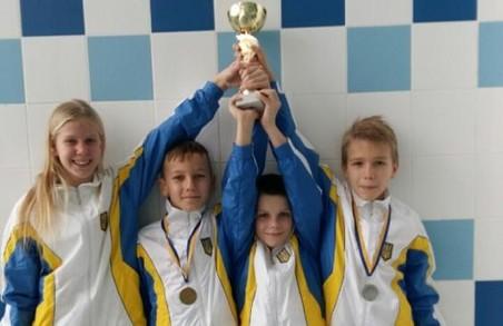 Харківська молодь завоювала дев'ять медалей на чемпіонаті України зі стрибків у воду