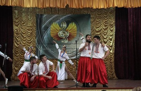 «На крилах натхнення»: в Харкові пройшов фестиваль творчості для людей з обмеженими можливостями