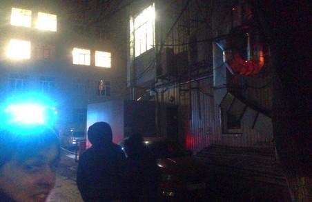 Труби горять: у Харкові сталася пожежа в піцерії на Пушкінській