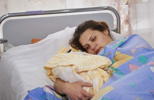 900 дітей у сім'ях переселенців з'явилися на світ у Харкові