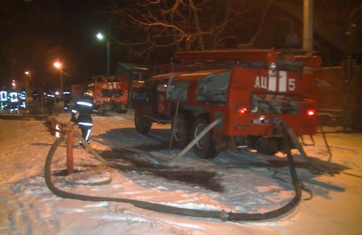 У Харкові десять годин гасили пожежу (ФОТО)