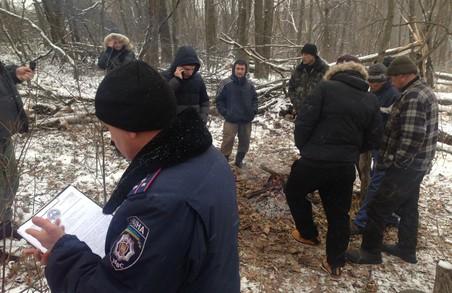 """Активісти """"Екологічного корпусу Азов"""" і ГО """"Східний Корпус"""" зупинили викрадення лісу під Харковом"""
