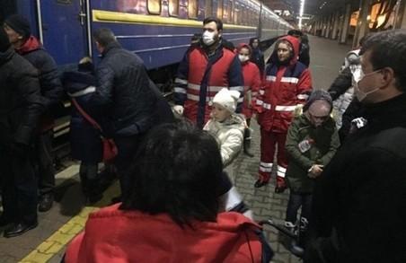 Масове отруєння в Кам'янці-Подільському: всіх захворілих на Харківщині виписали