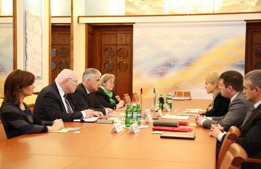 На Харківщині будуть забезпечені прозорі і законні умови ведення бізнесу і повна безпека - Світлична послу Німеччини