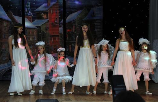 У Харкові діти-сироти та маленькі переселенці вже почали святкувати День Святого Миколая