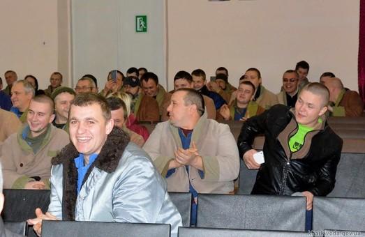 Заслужені артисти України влаштували свято для поранених бійців АТО у військовому шпиталі